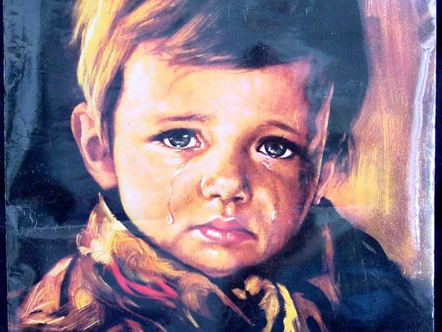 weird-things-in-the-world-chair-of-death-crying-boy-painting-annabelle-doll-शापित