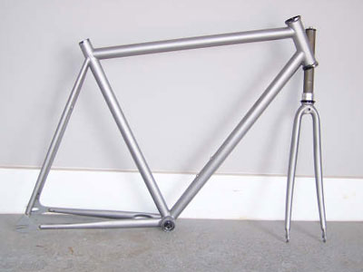 Sandblasting Aluminum Bike Frame   Framesite.co